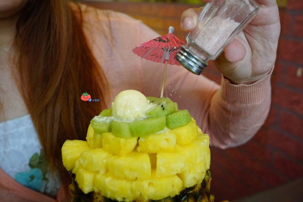 【蘆洲冰店】浮誇造型整顆西瓜冰 古早味旺來冰鳳梨冰 還有雪花冰和芒果冰唷!