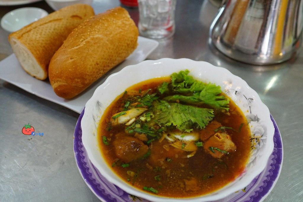 金邊早餐 Phka Riek Restaurant 牛肉湯配法國麵包很可以!