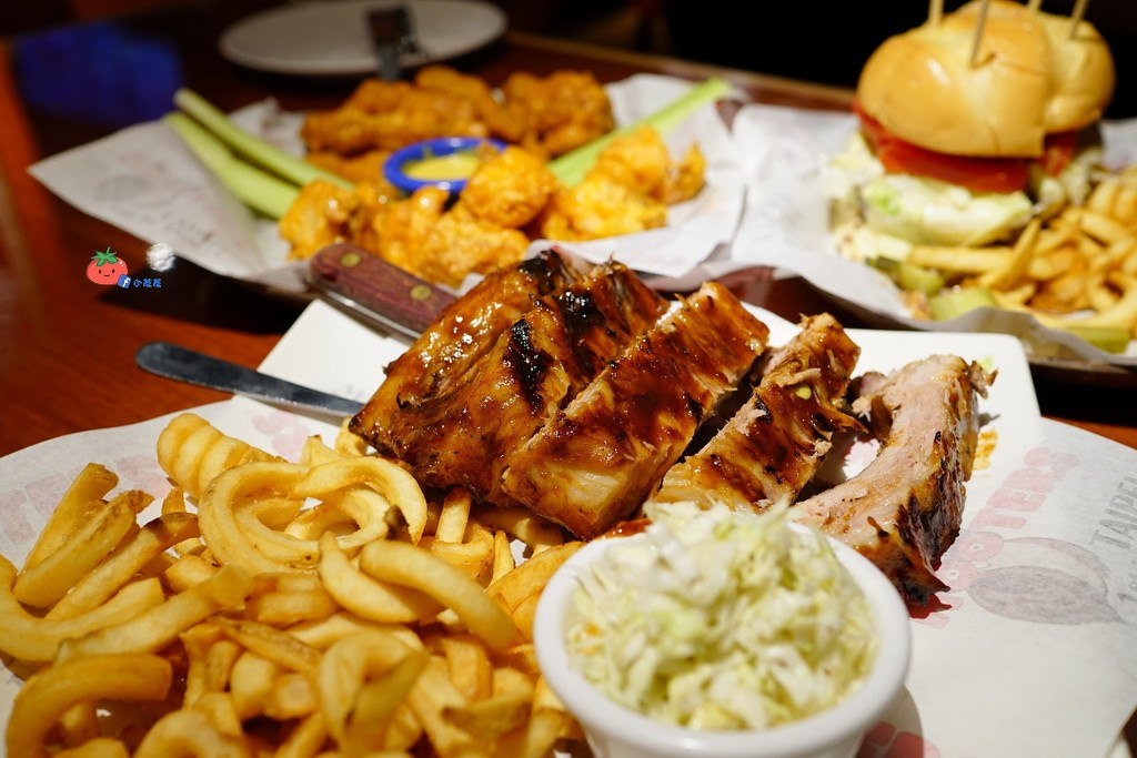 台北美式餐廳 呼拉圈辣妹啦啦隊 HOOTERS-慶城店