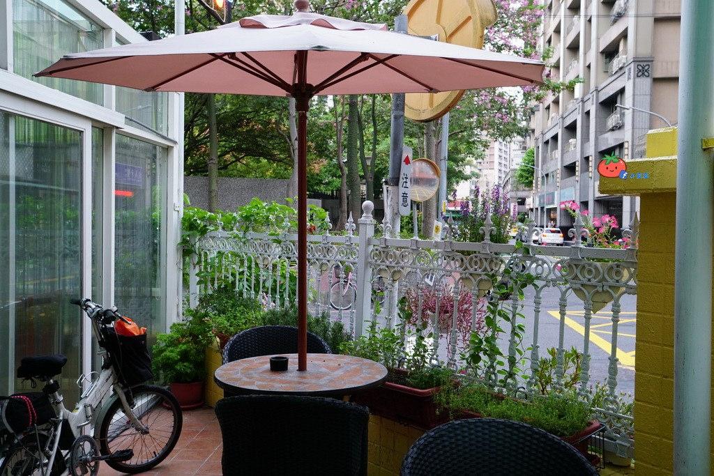 蘆洲香草花園咖啡