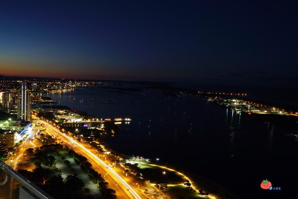 MERITON 黃金海岸夜景